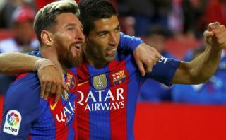 Barcelona derrotó 2-1 a Sevilla con goles de Messi y Suárez