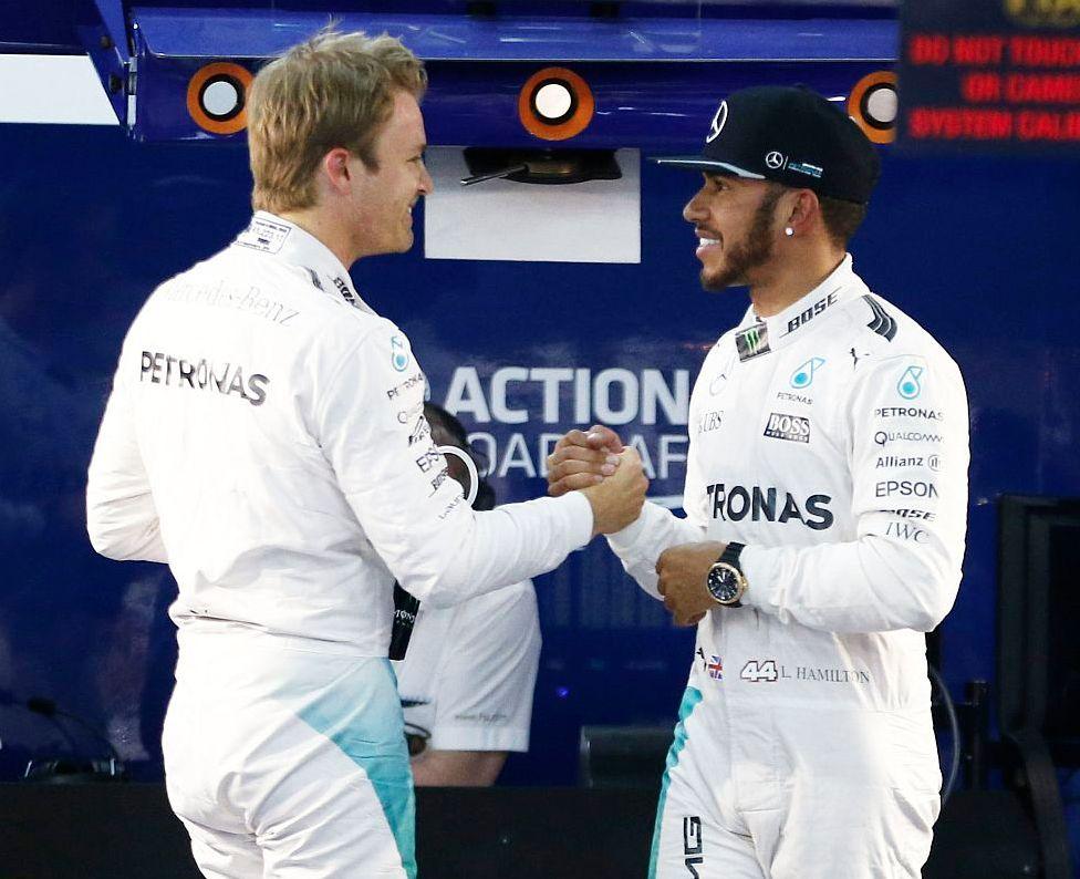 Nico Rosberg y Lewis Hamilton se disputan el título de la Fórmula 1. (foto: Media Daimler)