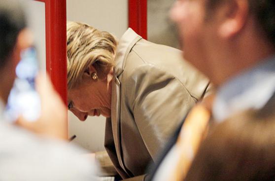 El sufragio de Hillary Clinton desde todos los ángulos [FOTOS]