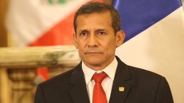 Humala llega hoy a Comisión de Defensa por compra de satélite
