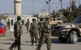 EE.UU. cierra embajada en Afganistán tras ataques mortales