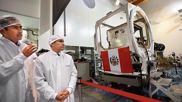 En el espacio de la polémica: la compra del satélite Perú SAT-1