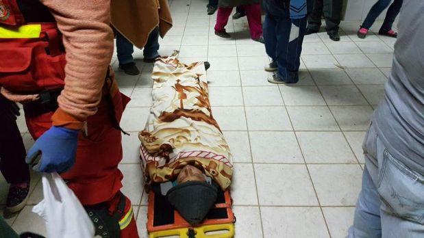 Un fallecido y al menos 27 personas heridas dejó la caída de un ómnibus a un abismo en La Libertad. (Foto: Cortesía)