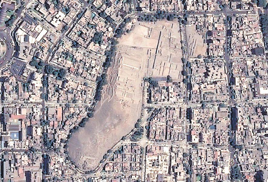 La imagen de la huaca Pucllana permite ver cómo la ciudad ha crecido a su alrededor. (CONIDA)