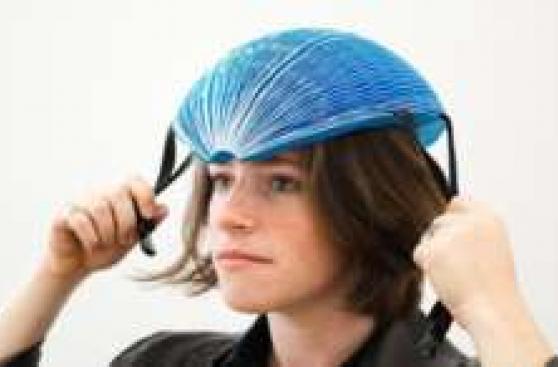 El casco de papel que ganó importante premio de innovación