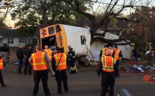 EE.UU.: Mueren seis personas en choque de autobús escolar