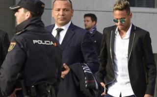 Neymar: fiscalía de España pide 2 años de cárcel para brasileño