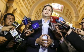 """Salaverry cree que el gobierno """"apunta a blindar"""" a Nadine"""