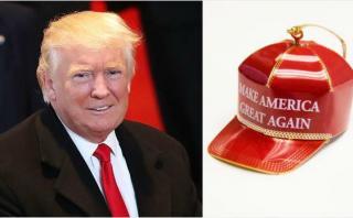 Trump vende adornos de su gorra roja para el árbol de navidad