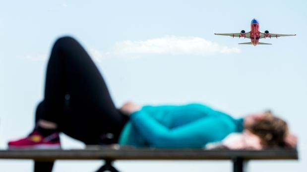 El jet lag aumenta riesgo del cáncer de hígado