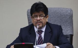 """Teófilo Gamarra: """"Ollanta Humala no se irá del país"""""""