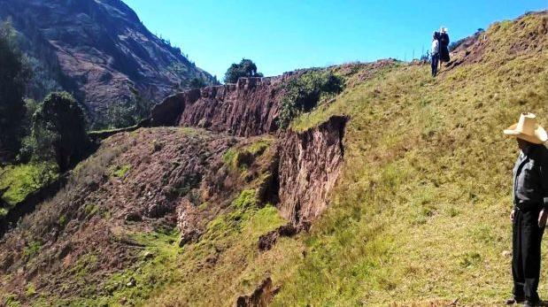 Comunidades de Cajamarca en riesgo por eventual deslizamiento