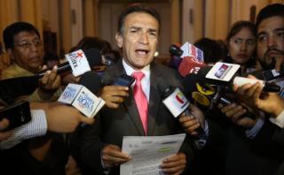 Becerril pide que se dicte impedimento de salida para Humala