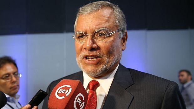 José Ugaz critica a congresistas vinculados a universidades