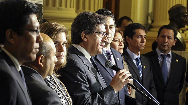 Bancada PPK propone renovar Congreso por mitades desde el 2021