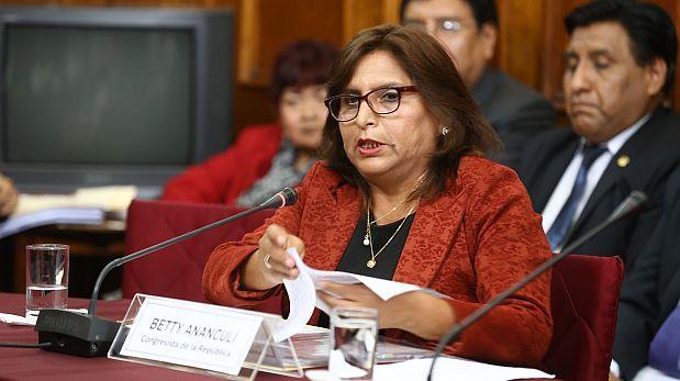 Fiscalía amplía indagación contra fujimorista Betty Ananculi