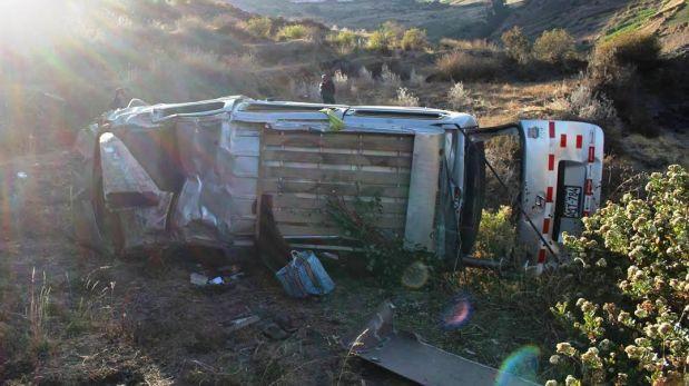 Moquegua: despiste de miniván deja dos muertos y tres heridos