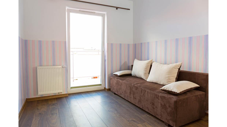 5 claves para poder tapizar las paredes de casas manos for Papel para tapizar paredes
