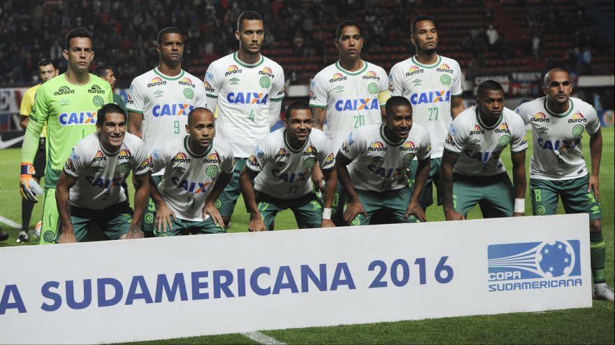 Salen hacia Brasil cuerpos de jugadores del Chapecoense