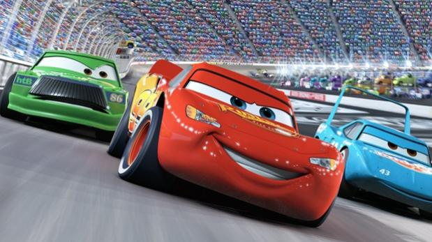 """""""Cars 3"""": mira el accidente de Rayo McQueen en nuevo póster"""