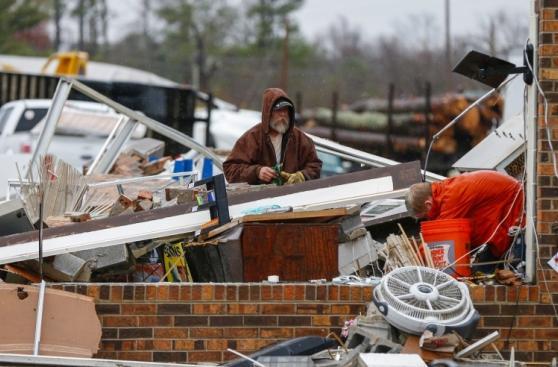 EE.UU.: La devastación que dejó un tornado en Alabama