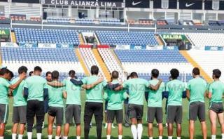 Alianza Lima: plantel guardó minuto de silencio por Chapecoense