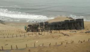 Camión se desbarrancó en Pasamayo