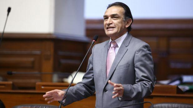 """Becerril criticó que haya """"sesgo"""" del gobierno contra Huaroc"""