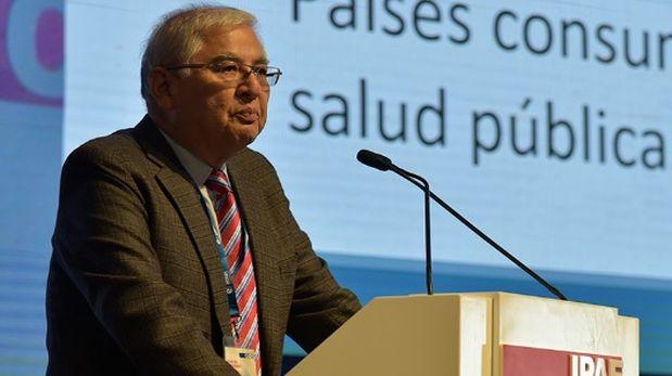Raúl Salazar expuso en sesión