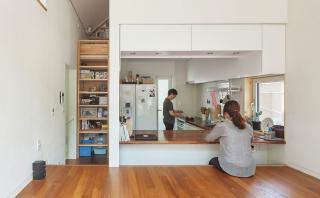 Esta casa de 50 m2 te da grandes ideas para ahorrar espacio