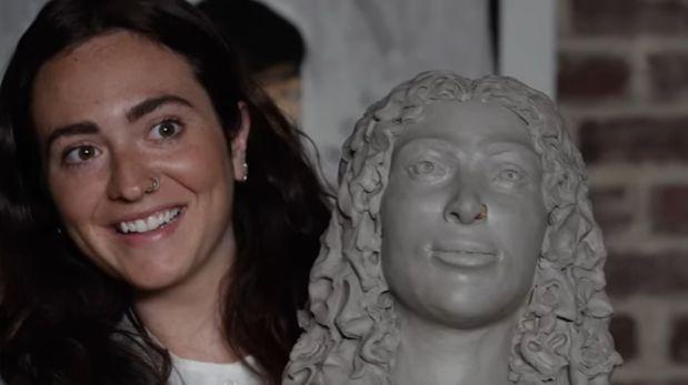 YouTube: personas ciegas describen a quienes aman a escultores