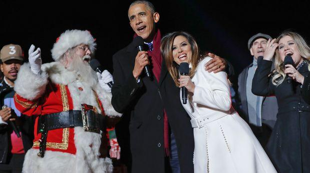 Barack Obama le da la bienvenida a la Navidad cantando