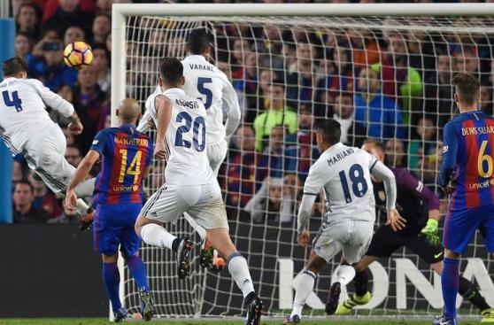 Barcelona-Real Madrid: postales del disputado clásico español