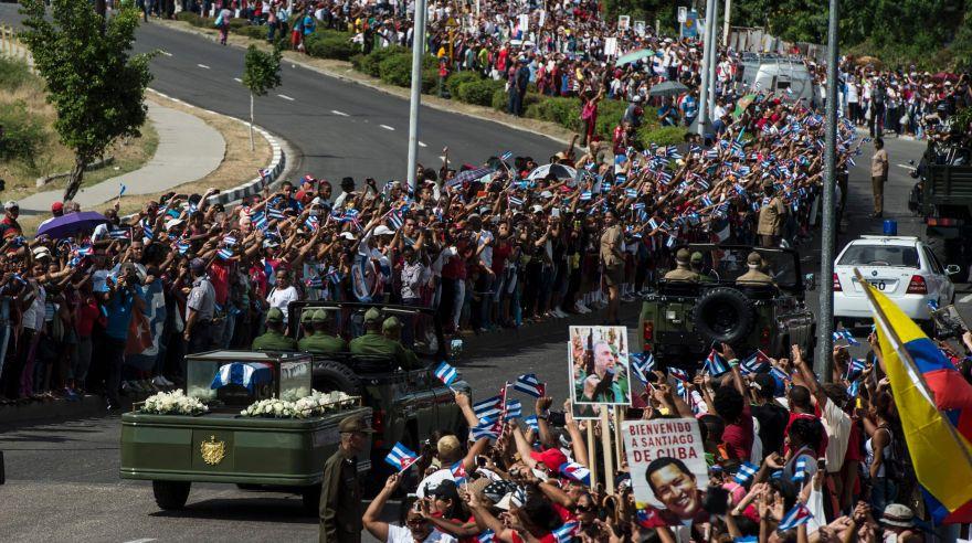 Restos de Fidel Castro llegan a Santiago de Cuba