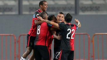FBC Melgar empató 2-2 ante Universitario y clasificó a la final
