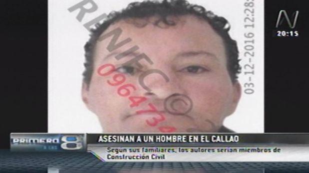"""Los familiares aseguraron que Jesús Caballero Carillo """"era una persona tranquila y no se metía con nadie. Él era padre de una niña de 10 años. Sus amigos sospechan que detrás del crimen estarían miembros de construcción civil. (Canal N)"""