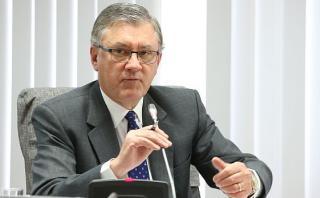 El ministro de Trabajo, Alfonso Grados, señaló hoy que el próximo año se podría evaluar un aumento del sueldo mínimo, que hoy es de S/850. (Foto: Mintra)