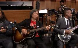 YouTube: el gran Shigeru Miyamoto toca la canción de Mario
