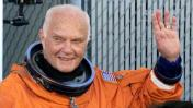 Murió John Glenn, primer estadounidense en orbitar el planeta