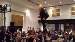 Senadores mexicanos de izquierda rompen piñata de Trump [VIDEO]
