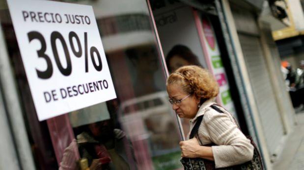 """Venezuela ordena remates de ropa para una """"Navidad feliz"""""""