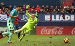 Barcelona: Suárez anotó ante Osasuna tras 'lluvia' de toques