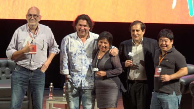 """Gastón Acurio estuvo en la mesa """"Hacia dónde va la cocina peruana"""" en el Hay Festival Arequipa 2016"""". (Video: Bryan Albornoz)"""