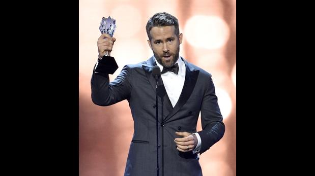 Ryan Reynolds gana como mejor actor de comedia por su papel en la película