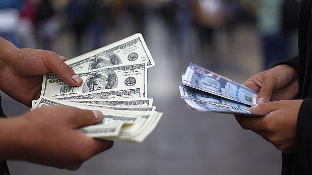 Dólar retrocedió a S/3,395 tras datos de economía de EE.UU.