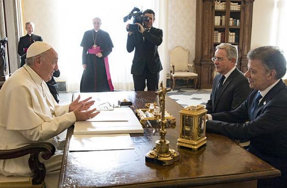Vaticano: El cara a cara de Santos y Uribe ante el Papa [FOTOS]