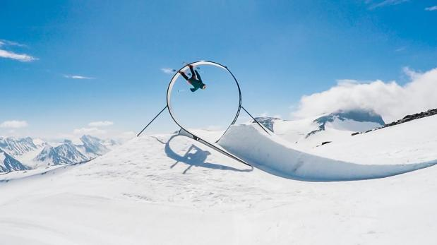 Increíble primera vuelta de 360 grados sobre esquís [VIDEO]