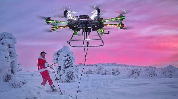Consiguió esquiar y volar como Papá Noel con un dron [VIDEO]