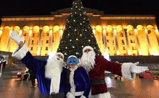 Facebook: Papá Noel no es el único que reparte regalos a niños