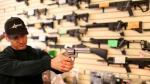 [BBC] ¿Por qué opositores a las armas ahora compran armamento? - Noticias de tension racial